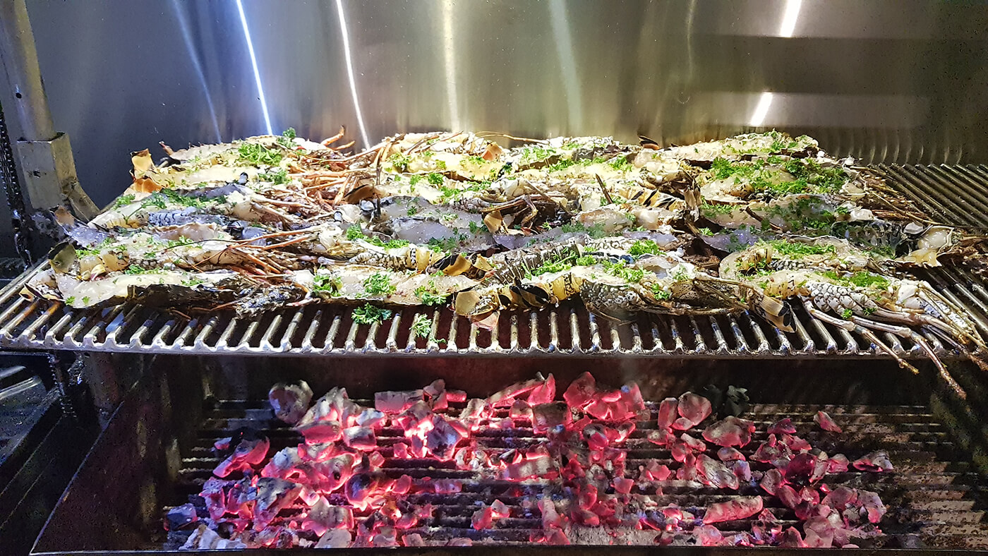 grilled-lobsters